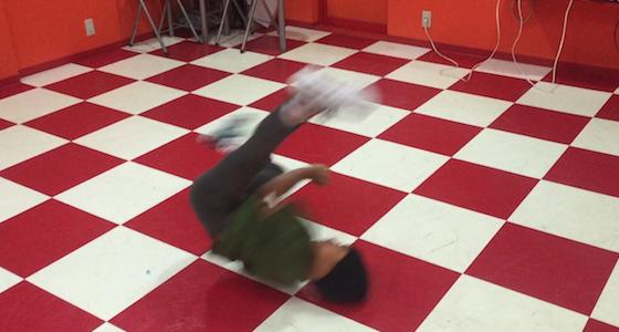 ウインドミル練習中の生徒