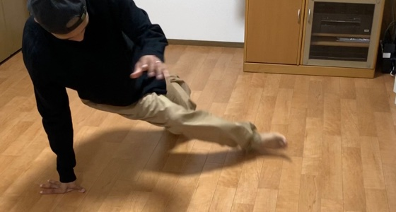 プレッツェル(回してきた脚を反対の脚の下をくぐらせる)